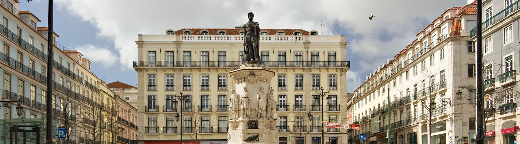 Lisbon – Hostels close to Chiado. Maps for Lisbon, Photos and Reviews for each hostel in Lisbon.