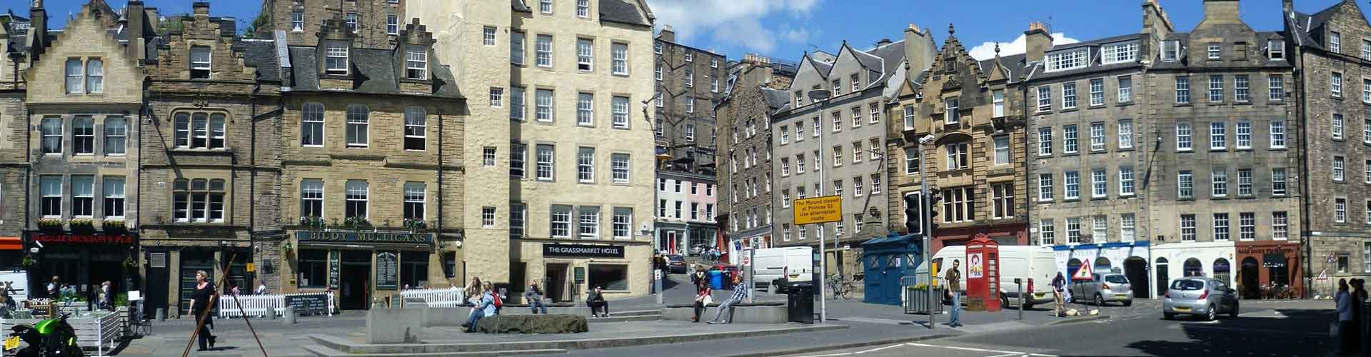 Edinburgh – Hostels in the The Grassmarket district. Maps for Edinburgh, Photos and Reviews for each hostel in Edinburgh.