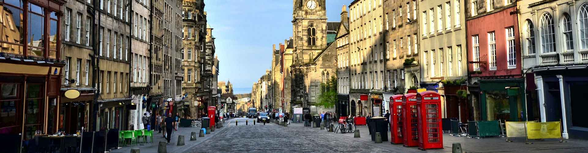 Edinburgh – Hotels in The Royal Mile. Maps of Edinburgh, Photos and Reviews for each Hotel in Edinburgh.