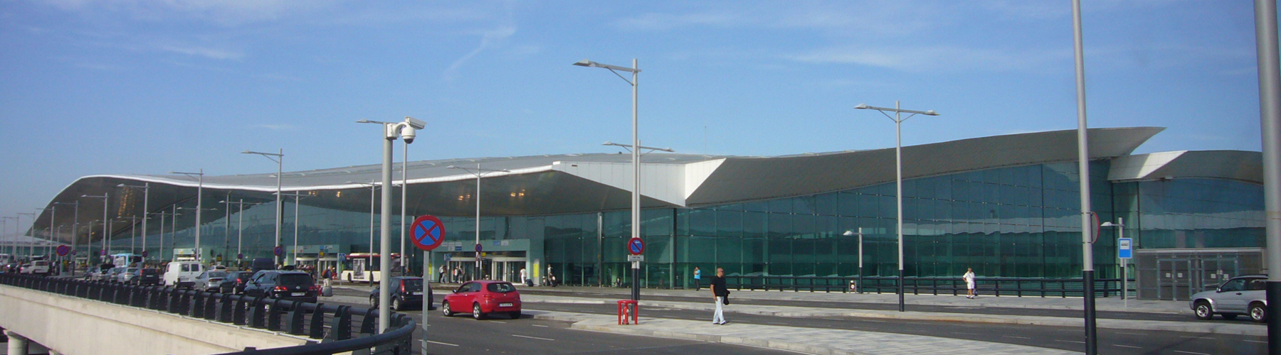 Barcelona – Hostels close to Barcelona El Prat Airport. Maps for Barcelona, Photos and Reviews for each hostel in Barcelona.