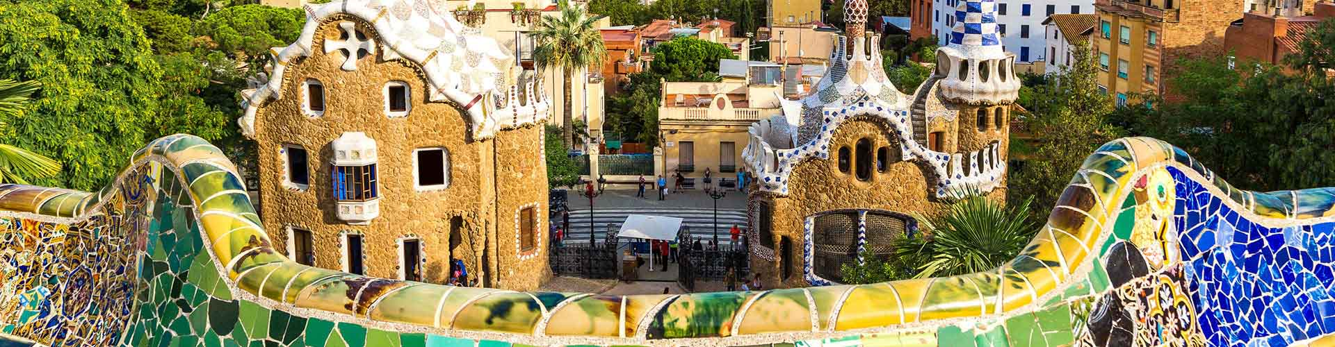 Barcelona – Hostels close to Park Güell. Maps for Barcelona, Photos and Reviews for each hostel in Barcelona.