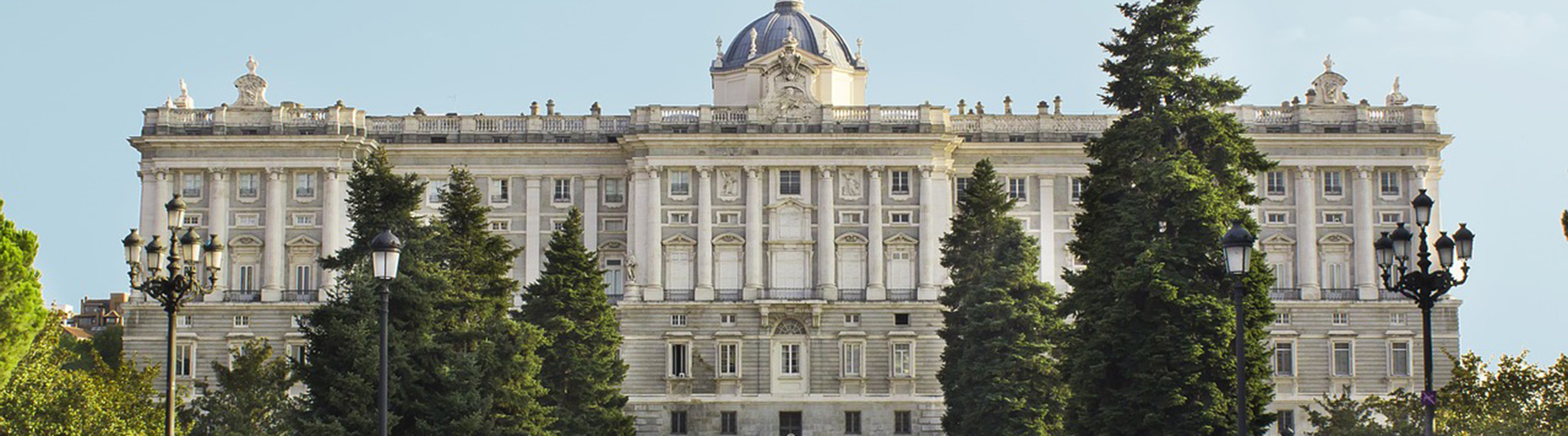 Madrid – Hostels close to Royal Palace. Maps for Madrid, Photos and Reviews for each hostel in Madrid.