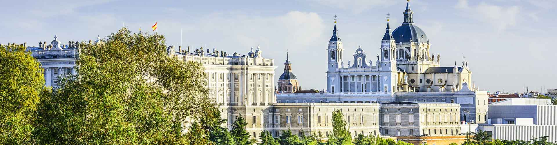 Madrid – Hostels in the Valdeacederas district. Maps for Madrid, Photos and Reviews for each hostel in Madrid.
