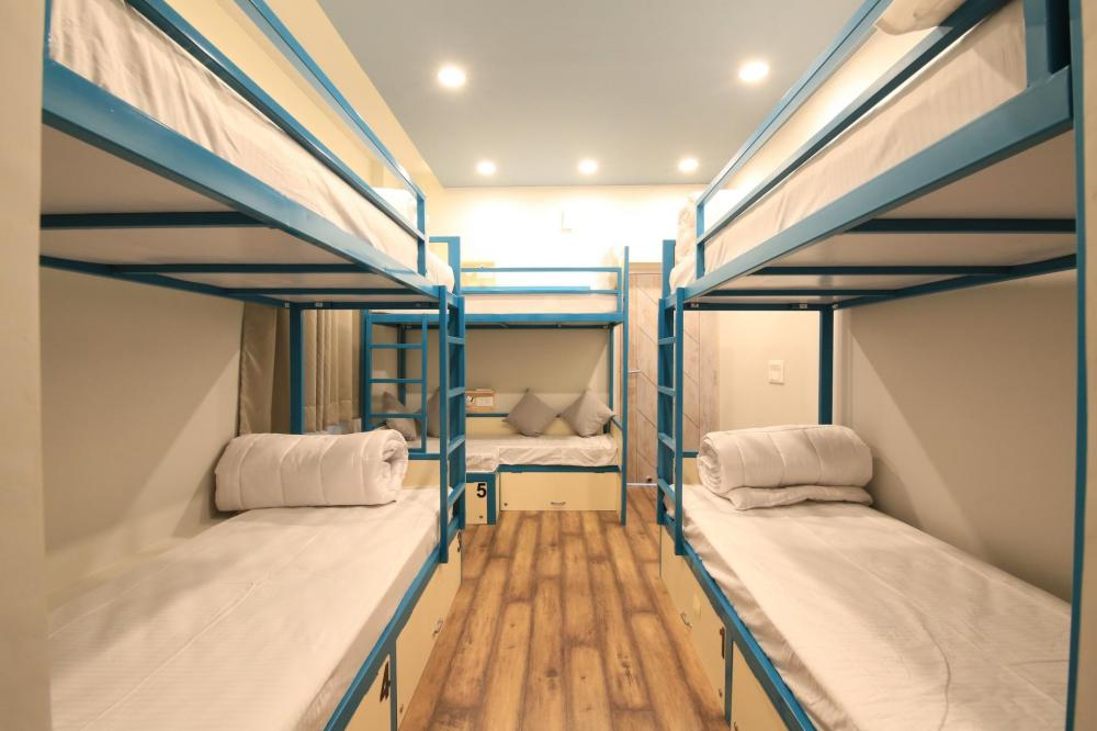 Dormitory with a sofa bed where 5 people can stay together