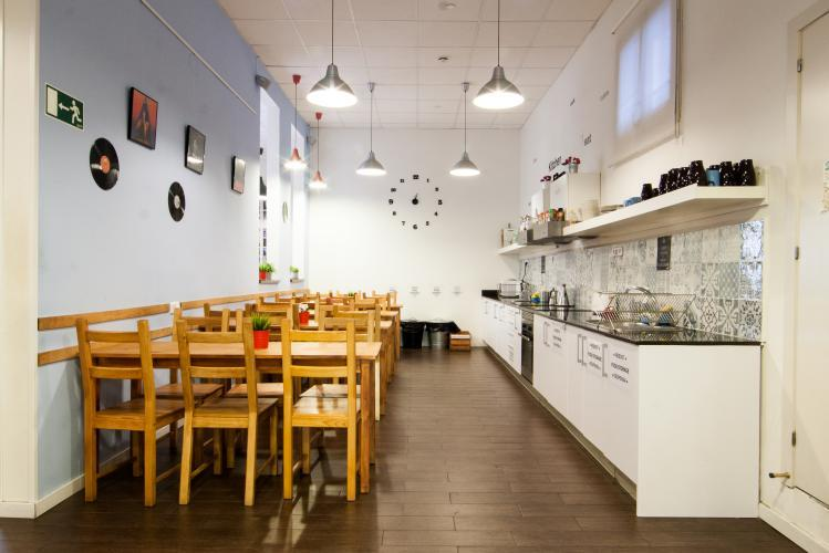360 Hostel Arts&Culture; Kitchen