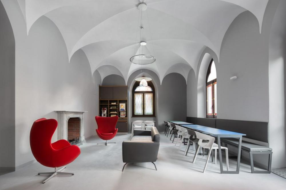 Common area:  A place to meet people