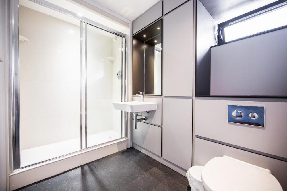 Sharing bathroom within apartment