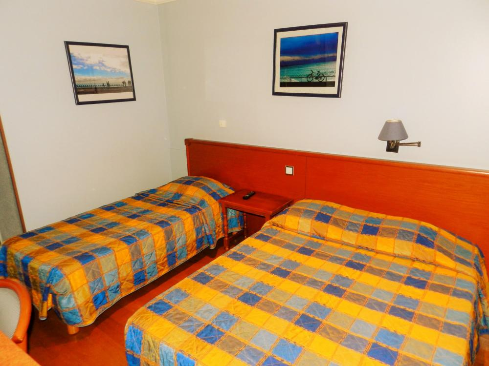Private room :  with free Wi-fi, tv, private bathroom with shower