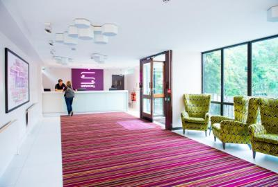 Youth Hostels - Safestay Holland Park