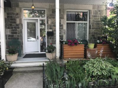 Hostels - Pied-A-Terre Mont-Royal