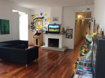 Hostels - Surf in Chiado Hostel