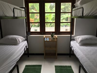 Hostels - Bed and Bicycle Hostel
