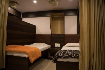 Hostels - Mumbai Darbar - A Backpacker Hostel