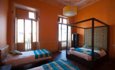 Youth Hostels - Happy House Hostel