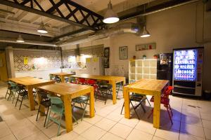 Youth Hostels - Bed & Bike Barcelona Hostel